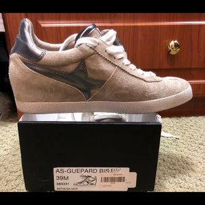 ASH SNEAKERS SIZE 39